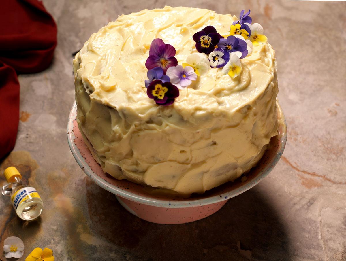 tort-cu-nuci-si-crema-de-vanilie